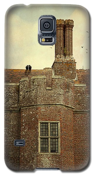 Galaxy S5 Case featuring the photograph Old Castle Rooftop England by Ethiriel  Photography