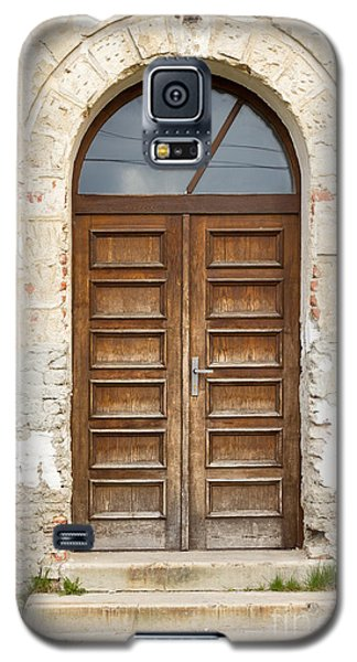 Galaxy S5 Case featuring the photograph Old Church Door by Les Palenik