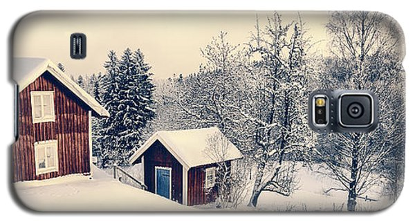 Old Cottages In A Snowy Rural Landscape Galaxy S5 Case