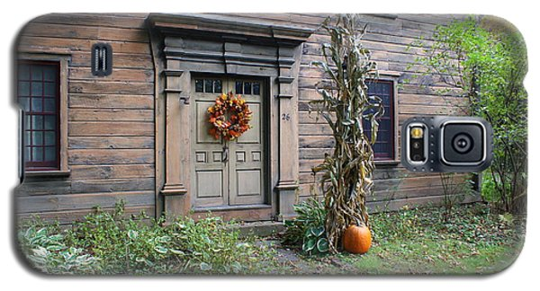 Galaxy S5 Case featuring the photograph Old Deerfield Ma Doorway In Fall by Lois Lepisto