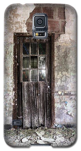 Old Door - Abandoned Building - Tea Galaxy S5 Case