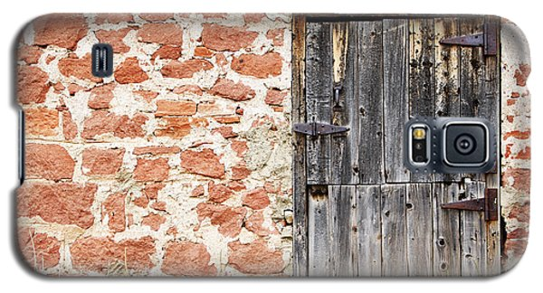 Galaxy S5 Case featuring the photograph Old Door In A Stone Wall by Lincoln Rogers