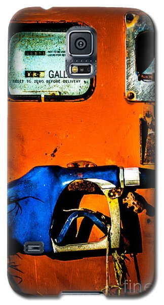 Old Farm Gas Pump Galaxy S5 Case
