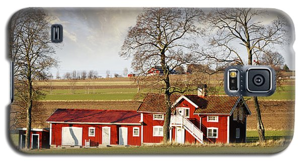 Old Farm Set In A Rural Picturesque Landscape Galaxy S5 Case