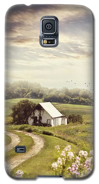 Old Farmhouse Down A Country Road Galaxy S5 Case