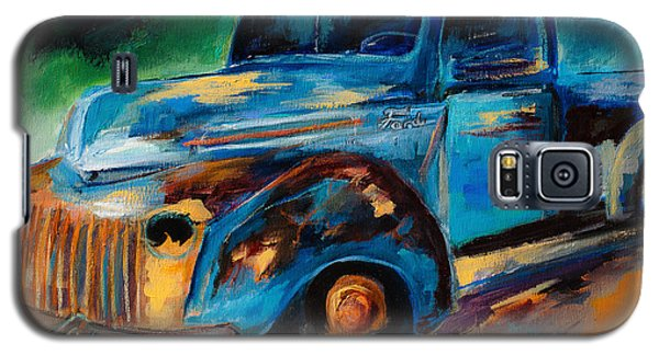 Old Ford In The Back Of The Field Galaxy S5 Case by Elise Palmigiani
