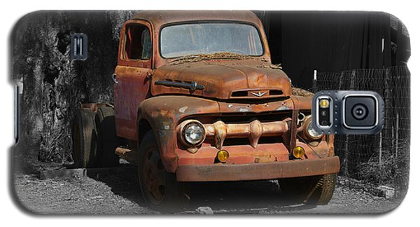 Old Ford Truck Galaxy S5 Case by Richard J Cassato