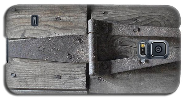 Galaxy S5 Case featuring the photograph Old Hinge by J L Zarek