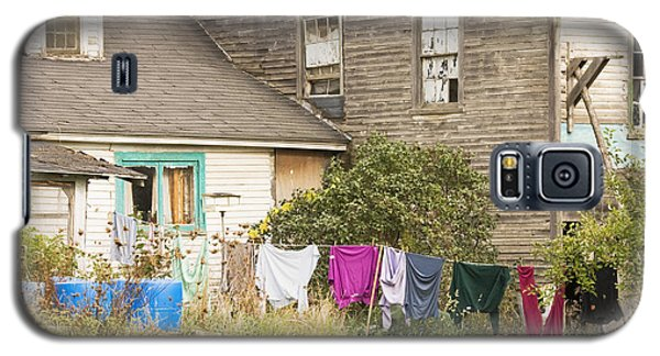 Old House With Laundry Galaxy S5 Case by Keith Webber Jr