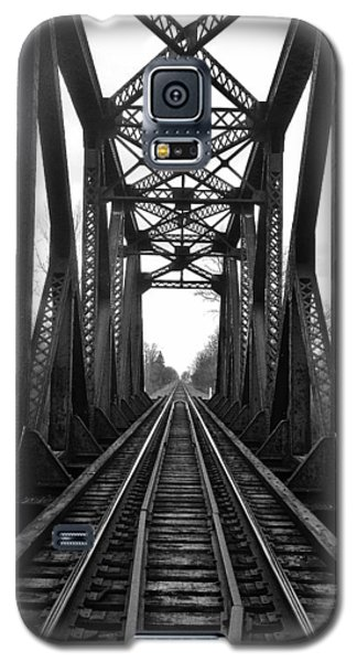 Old Huron River Rxr Bridge Black And White  Galaxy S5 Case