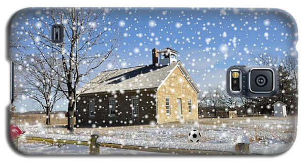 Galaxy S5 Case featuring the photograph Old Kansas Schoolhouse by Liane Wright