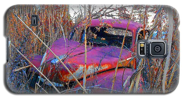 Old Pink Car In The Weeds Galaxy S5 Case