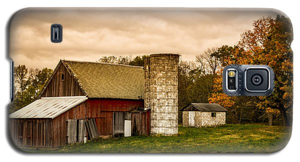 Old Red Barn And Silo Galaxy S5 Case