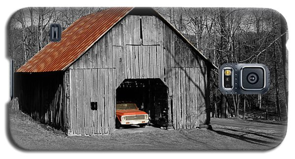 Old Rusty Barn  Galaxy S5 Case by Donald Williams