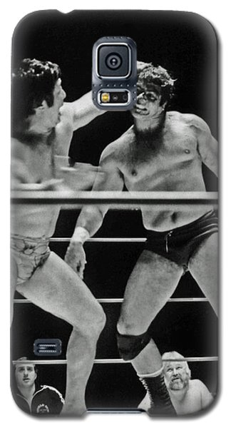 Galaxy S5 Case featuring the photograph Old School Wrestlers Dean Ho And Don Muraco Battling It Out In The Middle Of The Ring by Jim Fitzpatrick