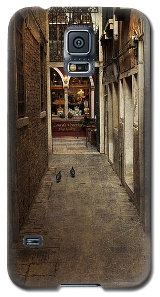 Galaxy S5 Case featuring the photograph Old Street by Ethiriel  Photography
