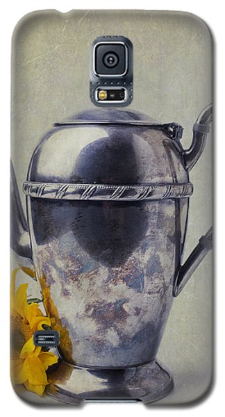 Old Teapot With Sunflower Galaxy S5 Case