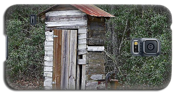 Old Time Outhouse And Pitcher Pump Galaxy S5 Case