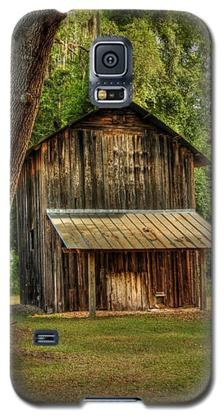 Galaxy S5 Case featuring the photograph Old Tobacco Barn by Donald Williams