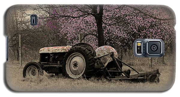 Old Tractor And Redbuds Sepia Galaxy S5 Case