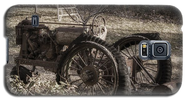 Galaxy S5 Case featuring the photograph Old Tractor by Lynn Geoffroy