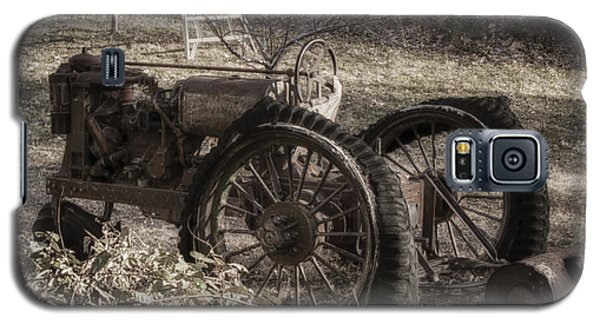 Old Tractor Galaxy S5 Case by Lynn Geoffroy