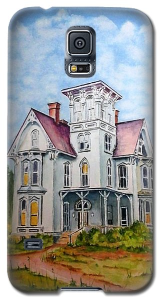 Galaxy S5 Case featuring the painting Old Victorian House by Richard Benson