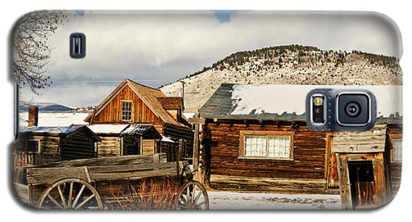 Galaxy S5 Case featuring the photograph Old Wagon And Ghost Town Buildings by Sue Smith