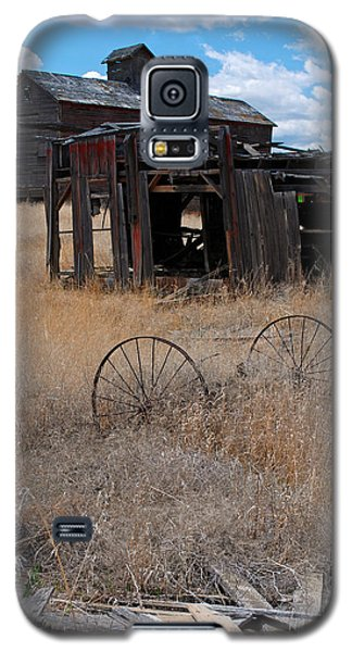 Galaxy S5 Case featuring the photograph Old Wheels And Barn by Kjirsten Collier