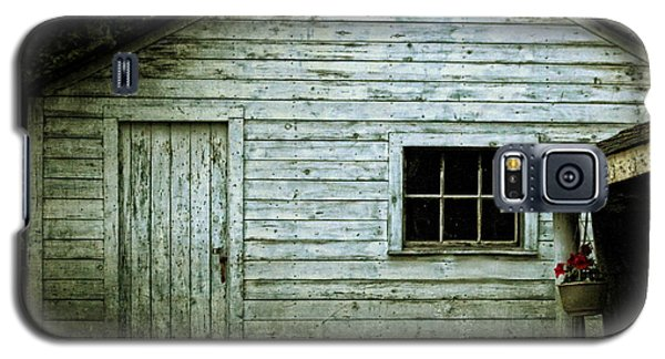 Galaxy S5 Case featuring the photograph Old Wooden Building Onaping by Marjorie Imbeau