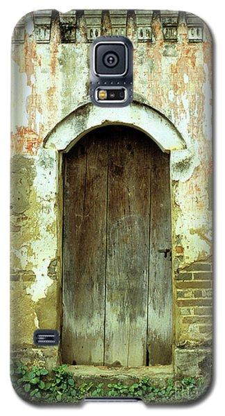 Old Wooden Door Galaxy S5 Case