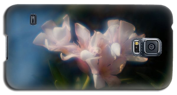 Galaxy S5 Case featuring the photograph Oleander 1 by Travis Burgess