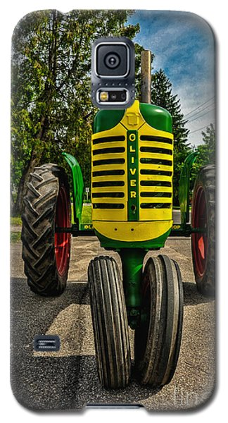 Galaxy S5 Case featuring the photograph Oliver Row Crop Ogdensburg Puller by Trey Foerster