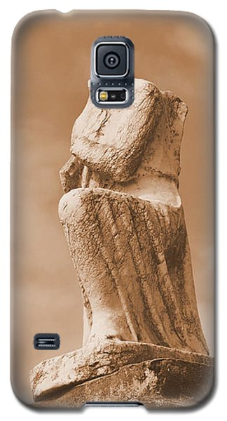 Galaxy S5 Case featuring the photograph On Bended Knee by Nadalyn Larsen