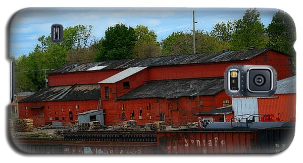 On The Other Side Of The Tracks Galaxy S5 Case by Lena Wilhite