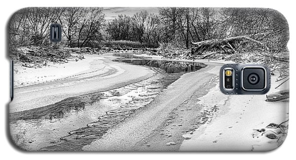 On The Riverbank Bw Galaxy S5 Case