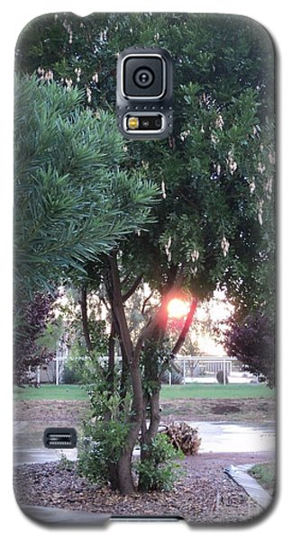 Galaxy S5 Case featuring the photograph One Last Moment by Carla Carson