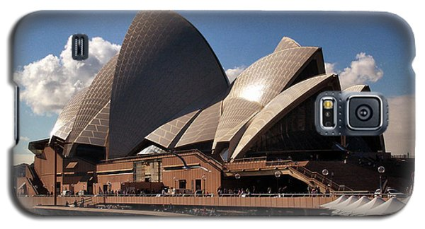 Galaxy S5 Case featuring the photograph Opera House Famous by John Swartz