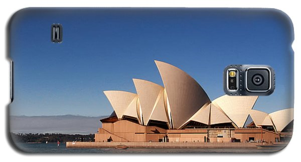 Galaxy S5 Case featuring the photograph Opera House by John Swartz