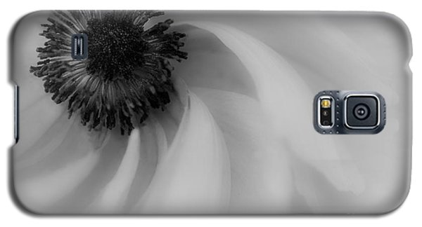 Orange Flower In Black And White Galaxy S5 Case
