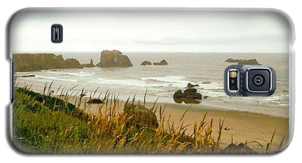 Galaxy S5 Case featuring the digital art Oregon Beach by Kenneth De Tore