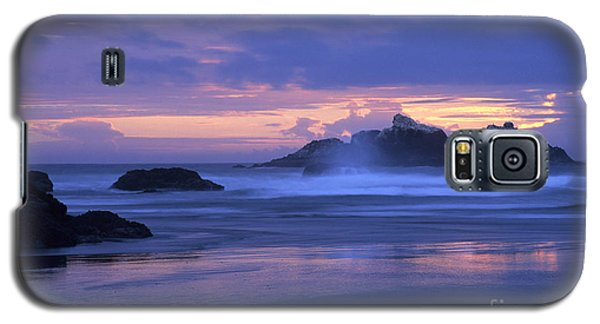 Galaxy S5 Case featuring the photograph Oregon Coast Sunset by Chris Scroggins