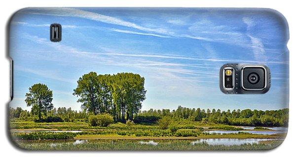 Galaxy S5 Case featuring the photograph Ossenwaard Near Deventer by Frans Blok