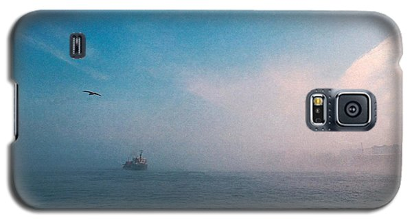 Out Morning At Sea  Galaxy S5 Case by Evgeniy Lankin