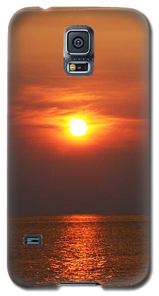Galaxy S5 Case featuring the photograph Outer Banks Sunset by Tony Cooper
