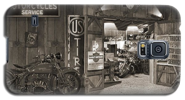 Outside The Old Motorcycle Shop - Spia Galaxy S5 Case by Mike McGlothlen