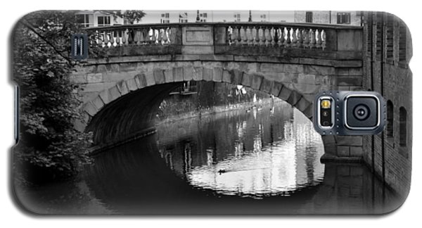 Galaxy S5 Case featuring the photograph Oval Bridge Over The River Foss York by Scott Lyons