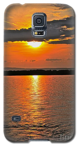 Galaxy S5 Case featuring the photograph Over The Horizon - No.3474 by Joe Finney
