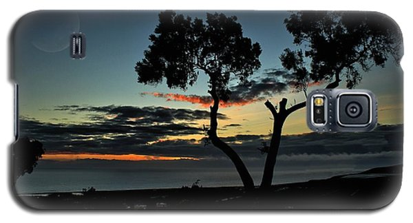 Galaxy S5 Case featuring the photograph Pacific Evening by Michael Gordon