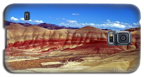 Galaxy S5 Case featuring the photograph Painted Hills by Chalet Roome-Rigdon